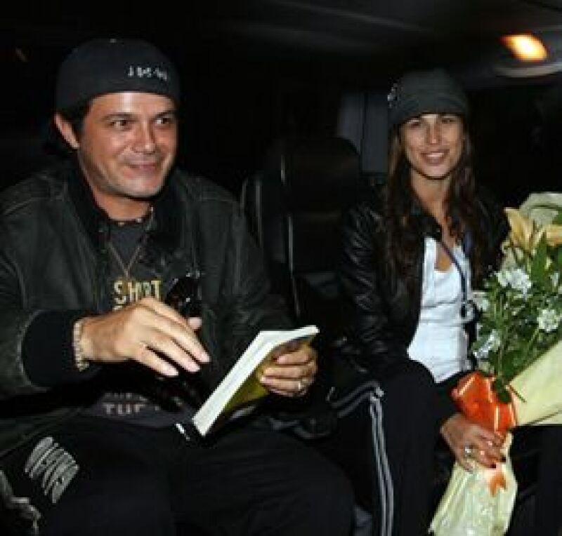 Aunque sus representantes lo niegan, la prensa española asegura que hubo boda.