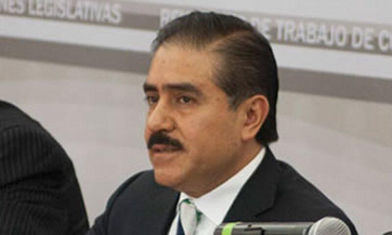 Apolinar Mena dice que pagó poco más de 124,000 pesos. (Foto: Tomada de poderlegislativo.gob.mx )