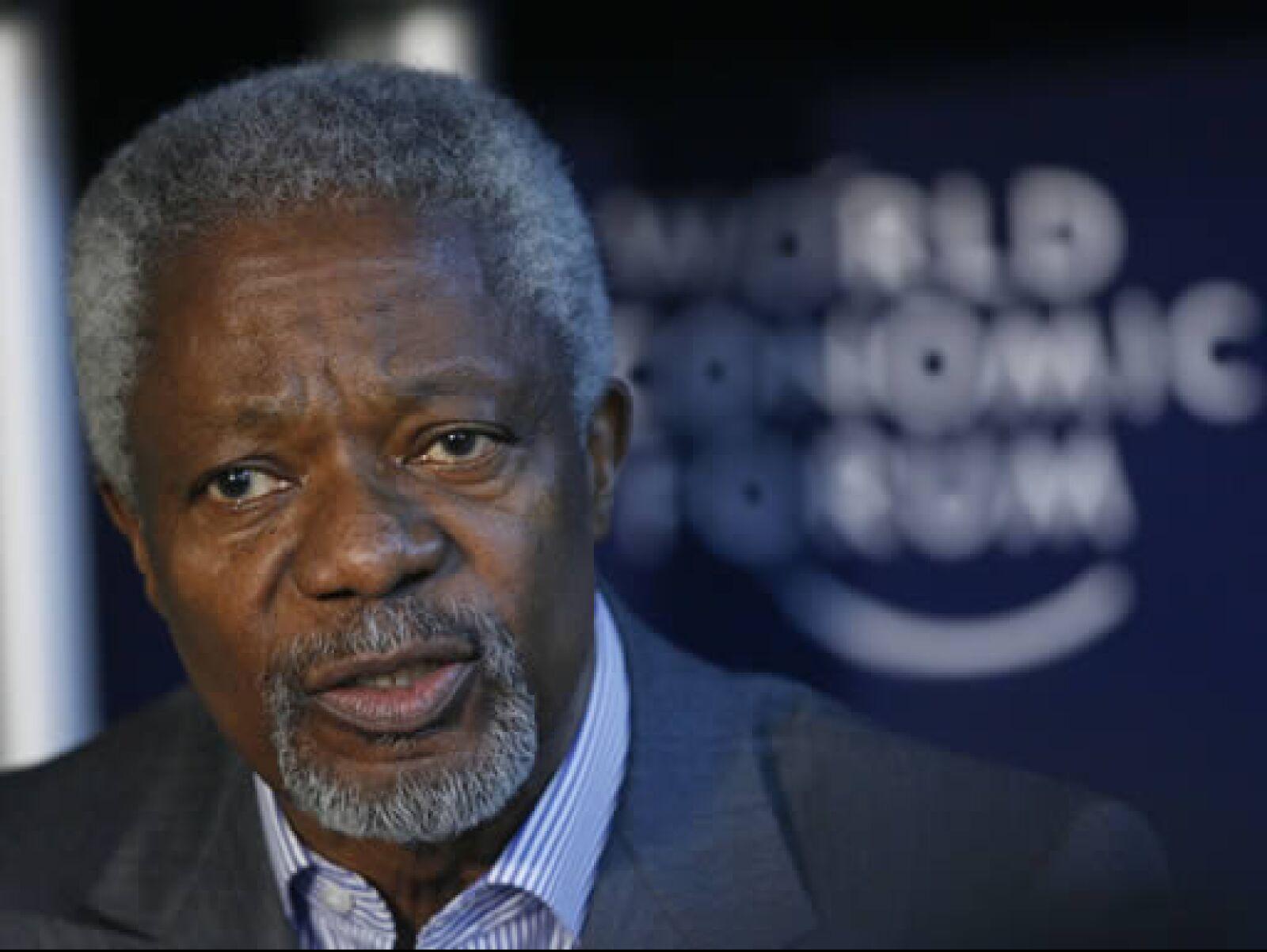 El ex secretario general de Naciones Unidas, Kofi Annan, quien es codirector del World Economic Forum, dijo que el mundo necesita que tanto los líderes políticos como los empresariales cooperen para encontrar soluciones. (Foto: Reuters)