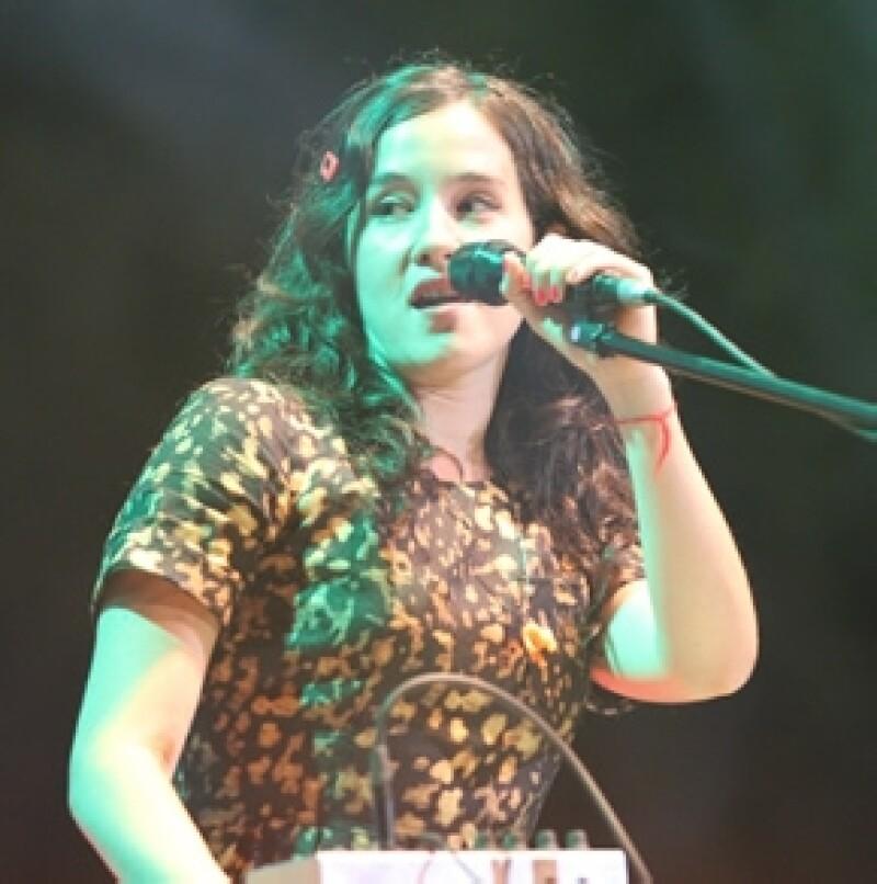 Este miércoles la frase RIP Ximena Sariñana se convirtió en trending topic en Twitter y es que los usuarios de la red social decidieron hacerle burla por su forma de cantar.