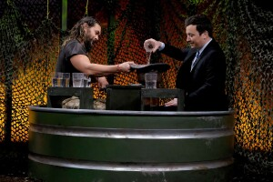 Jason Momoa y Jimmy Fallon