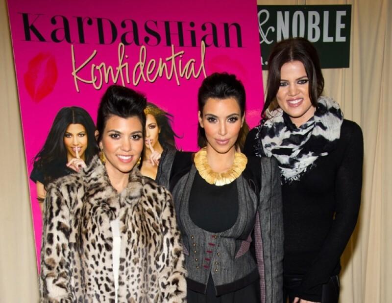 Las hermanas Kardashian se `desnudaron´ en alma en su libro.
