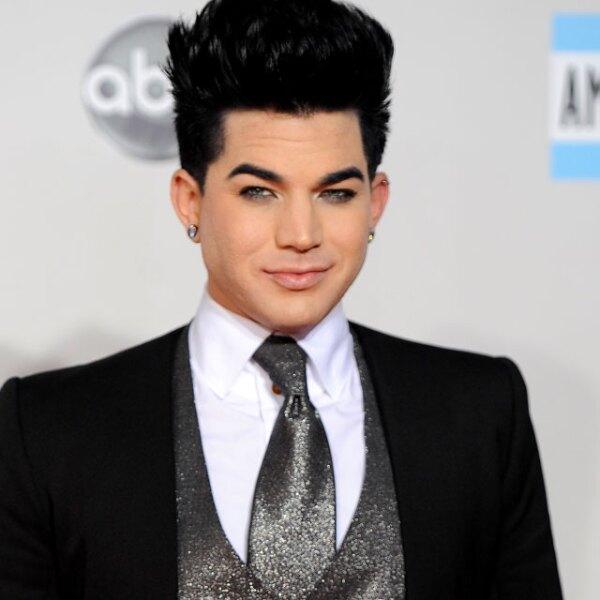 Adam Lambert, ex alumno de `American Idol´ gusta del maquillaje típico de las estrellas glam.