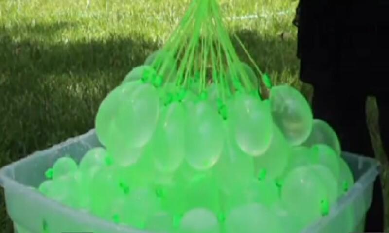 El emprendedor, Josh Malone, presentó su invento en la Feria Internacional del Juguete en Nueva York. (Foto: Tomada de CNNMoney.com)