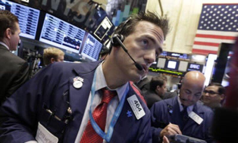 Ben Bernanke indicó que la baja inflación y el alto desempleo significan que la Fed debe continuar con su estímulo monetario. (Foto: Reuters)
