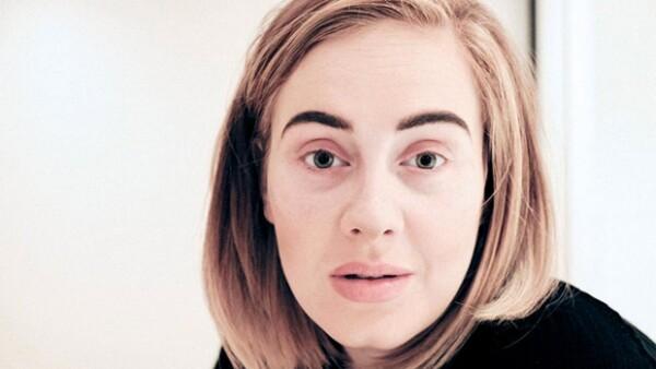 La cantante sorprendió al mundo entero al aparecer en redes sociales, sin gota de maquillaje, y sin importar lo mal que se sentía, para explicar los motivos de la cancelación de su show en Phoenix.