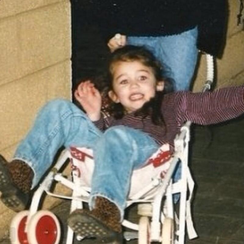 Antes de su presente irreverente, había una niña dulce y encantadora.