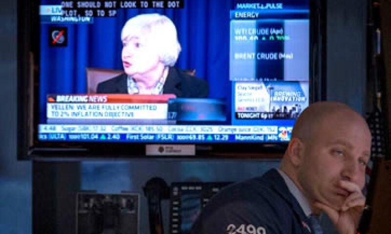 La Fed dijo que la tasa de desempleo en 6.5% dejará de ser la clave para un alza en las tasas de interés. (Foto: Reuters)