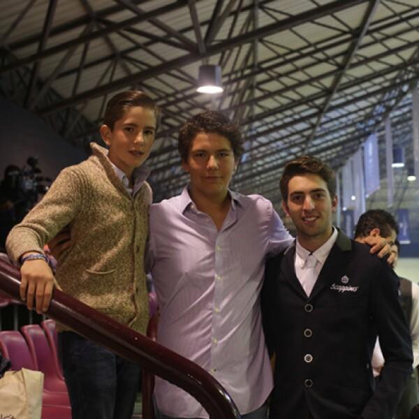 Loret Mills,Jerónimo Mills y Andrés Berganza