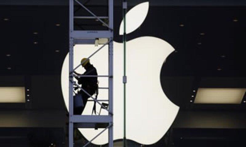 Varios analistas opinan que el interés de los consumidores por el iPhone se está desvaneciendo ante una creciente competencia. (Foto: Reuters)
