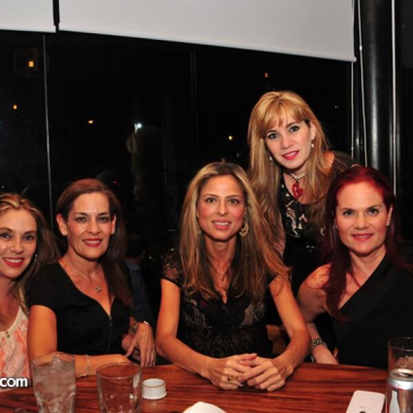 Elena Villa.Fabiola Hernández,Esther Cabello. Fabiola Osuna y Adriana Serrano.