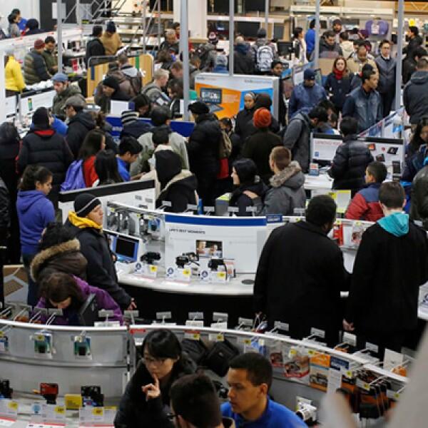 La Federación Nacional de Minoristas (NRF por su sigla en inglés) pronostica un aumento de 3.9 % en las ventas y que hasta 140 millones de personas realicen compras entre el jueves y el domingo.