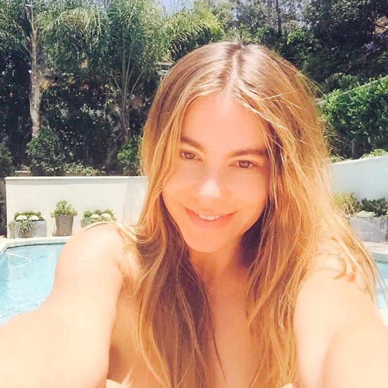 Antes de viajar a México, la colombiana decidió compartir con sus seguidores una foto sin maquillaje, en la que no aparenta para nada su edad.