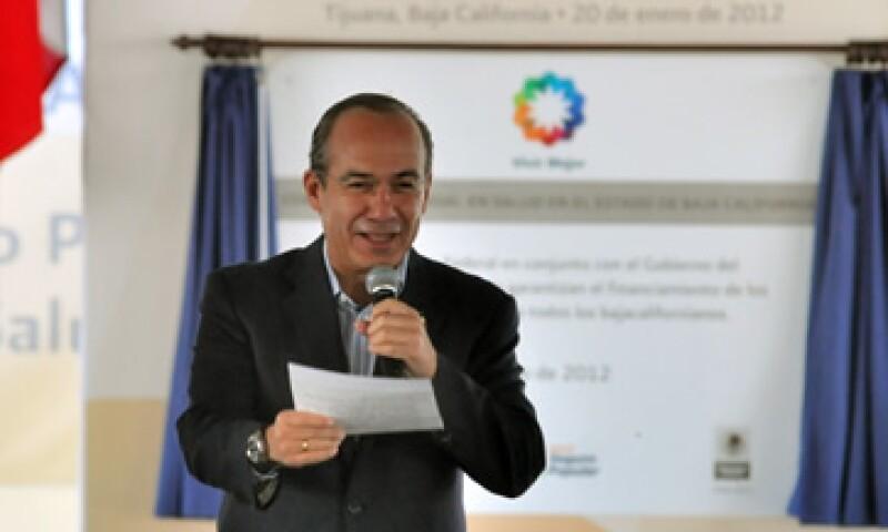 El presidente Calderón inauguró una parte de la modernización de la carretera La Paz-Todos Santos-Los Cabos.  (Foto: Notimex)