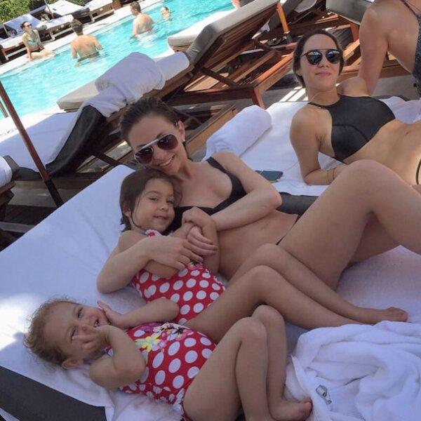 Angélica también estuvo en Miami, a juzgar por esta imagen que le tomó a sus hijas en el cumpleaños de una de sus sobrinas.