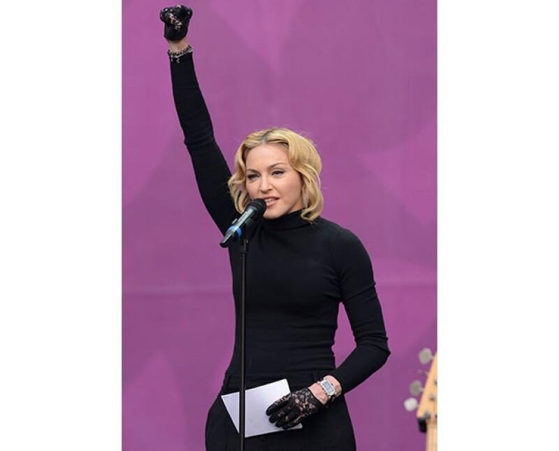 Madonna dio un emotivo discurso acerca de cambio y la revolución pacífica que tiene que hacerse por medio de la educación.