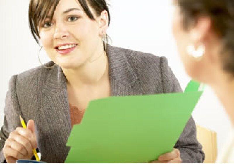 Ser responsable y cumplido en tu trabajo te ayudará a ser reconocido por tus superiores. (Foto: Jupiter Images)