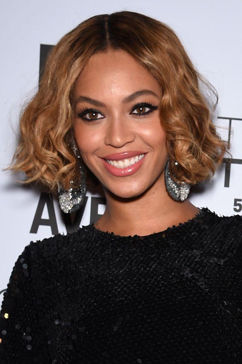 Luego de que saliera a la luz el listado de los que encabezan las listas de los Grammys 2015, la cantante se ha convertido en la mujer más nominada en la historia de los premios.