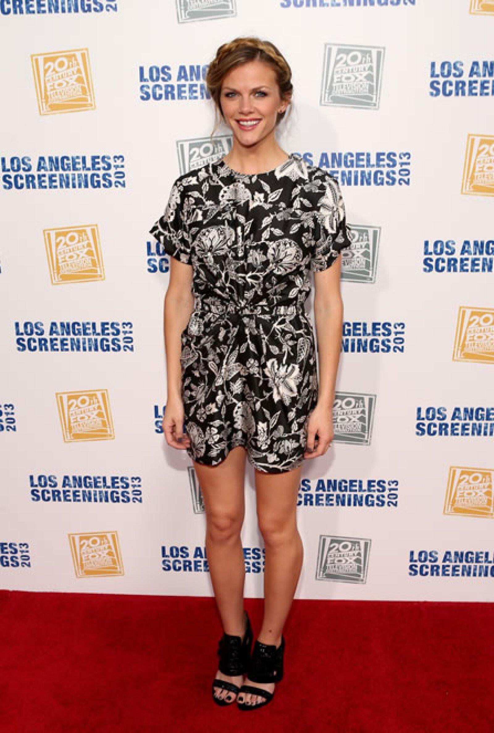 La esposa del tenista Andy Roddick usó un vestido de estampado de flores de Isabel Marant en una fiesta de 20th Century Fox.