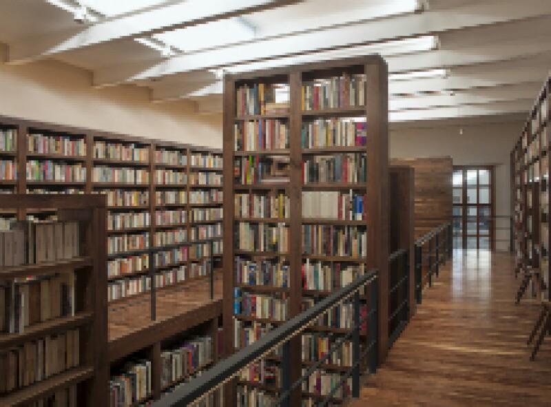 P Biblioteca Carlos Monsivais