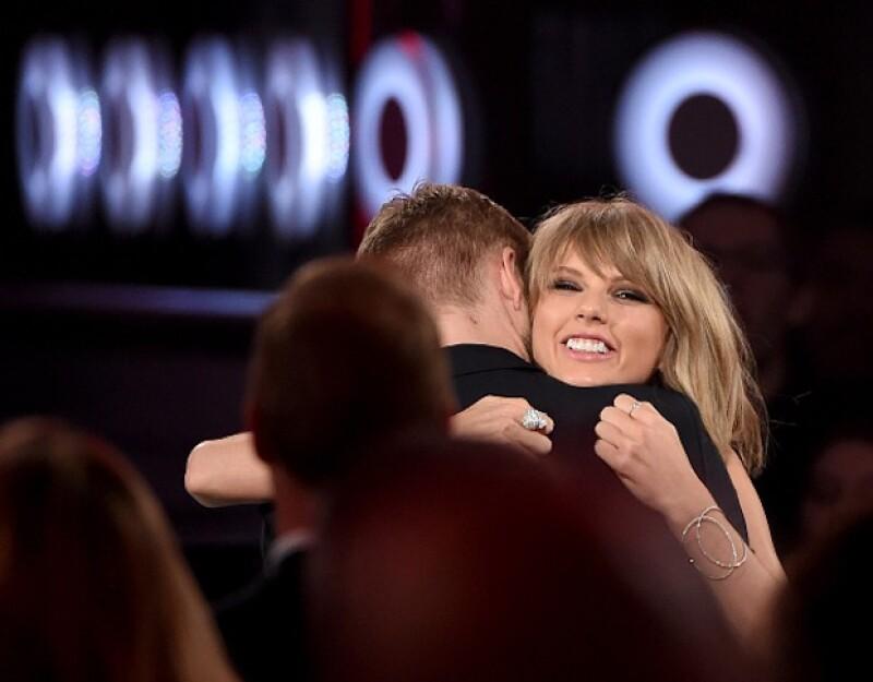 Taylor siempre lució feliz y con una gran sonrisa a lado de Calvin.