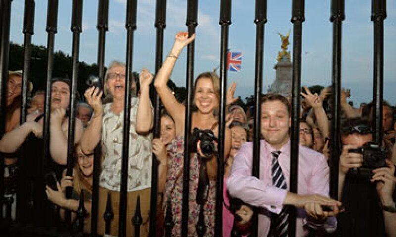 Los británicos tendrán que esperar, ya que el palacio se toma su tiempo para escoger el nombre adecuado. (Foto: Reuters)