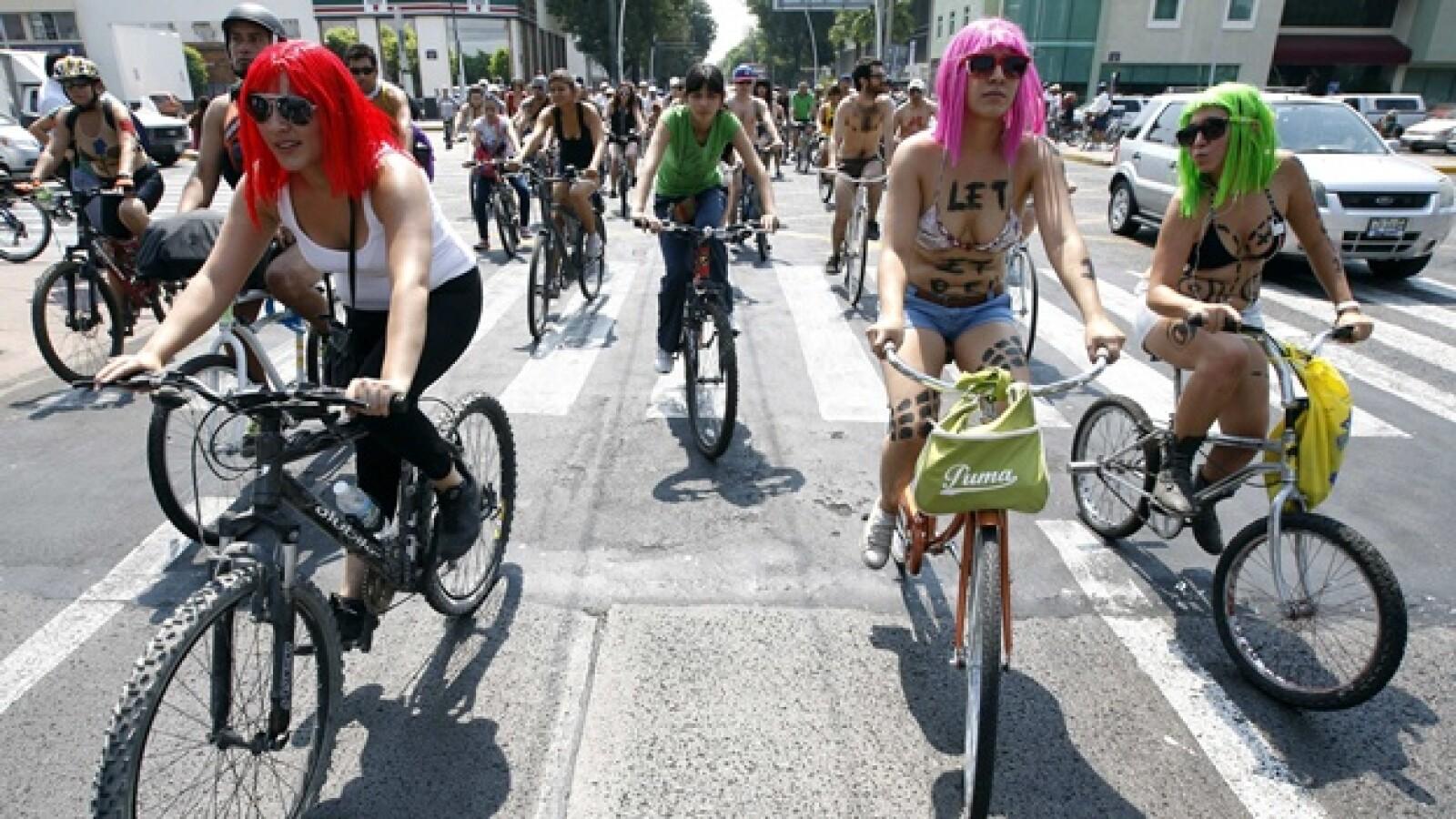 ciclistas desnudos en guadalajara
