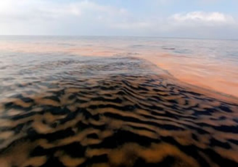 En un esfuerzo conjunto, Chevron, Exxon y Shell están ayudando a BP a corregir el daño. (Foto: AP)