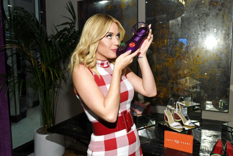 206a8fca5 La extravagante línea de zapatos de Katy Perry