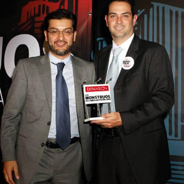 Enrique Cornish, gerente de la marca Philadelphia y Adolfo Ortega.