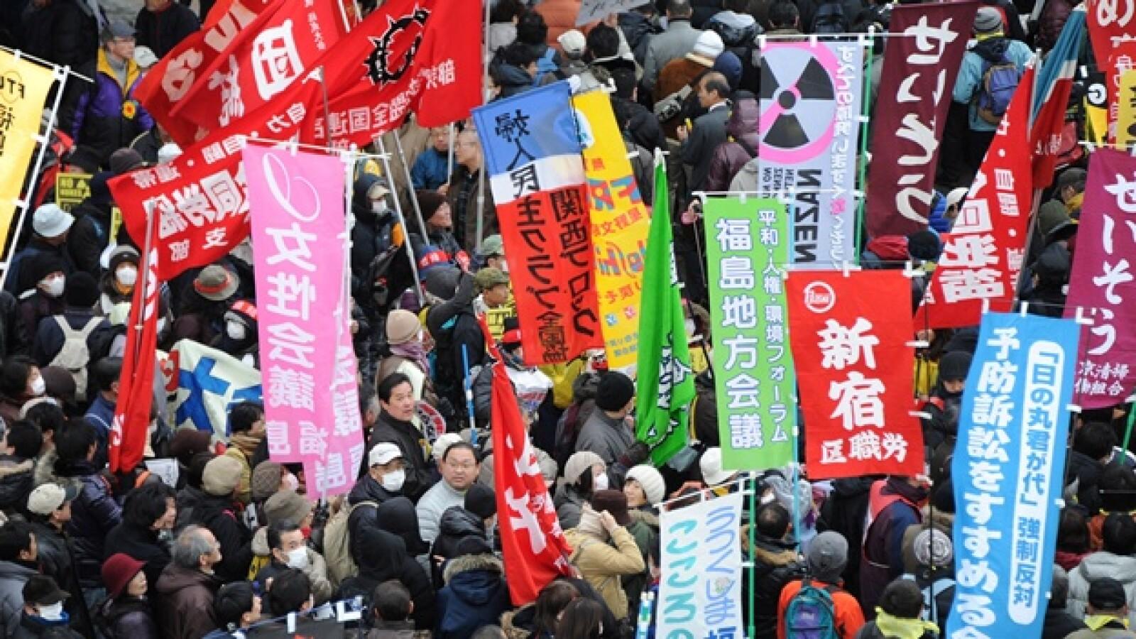 primer aniversario del terremoto y el sismo en japon