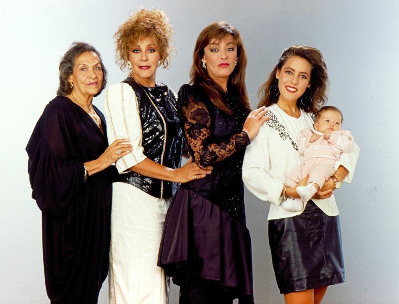 María Luisa Hidalgo, Silvia Pinal, Sylvia Pasquel, Stephanie Salas y Michelle Salas.