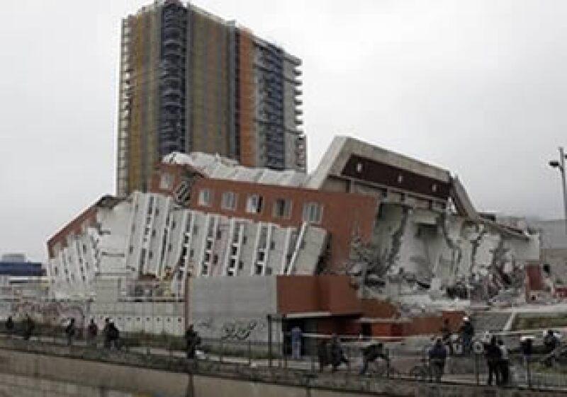 Swiss Re dijo que espera pagar pólizas por unos 500 millones de dólares por las pérdidas en Chile. (Foto: AP)