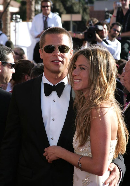 Brad vive felizmente casado con Angelina, y con sus hijos.