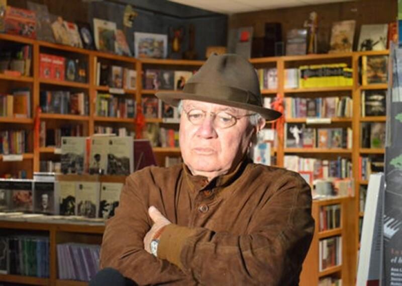 El escritor y periodista tijuanense, murió ayer, luego de permanecer internado 15 días en terapia intensiva del hospital Mocel en la ciudad de México. Colegas lo despiden en el panteón francés.