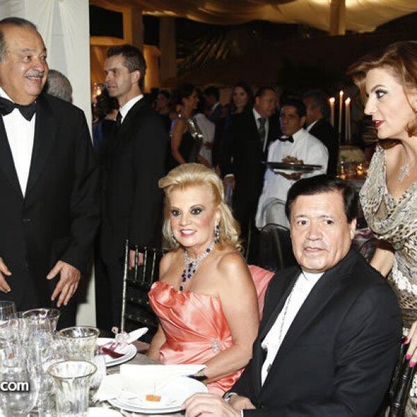 Carlos Slim, María de los Ángeles Vázquez, Norberto Rivera y Mónica Ahued