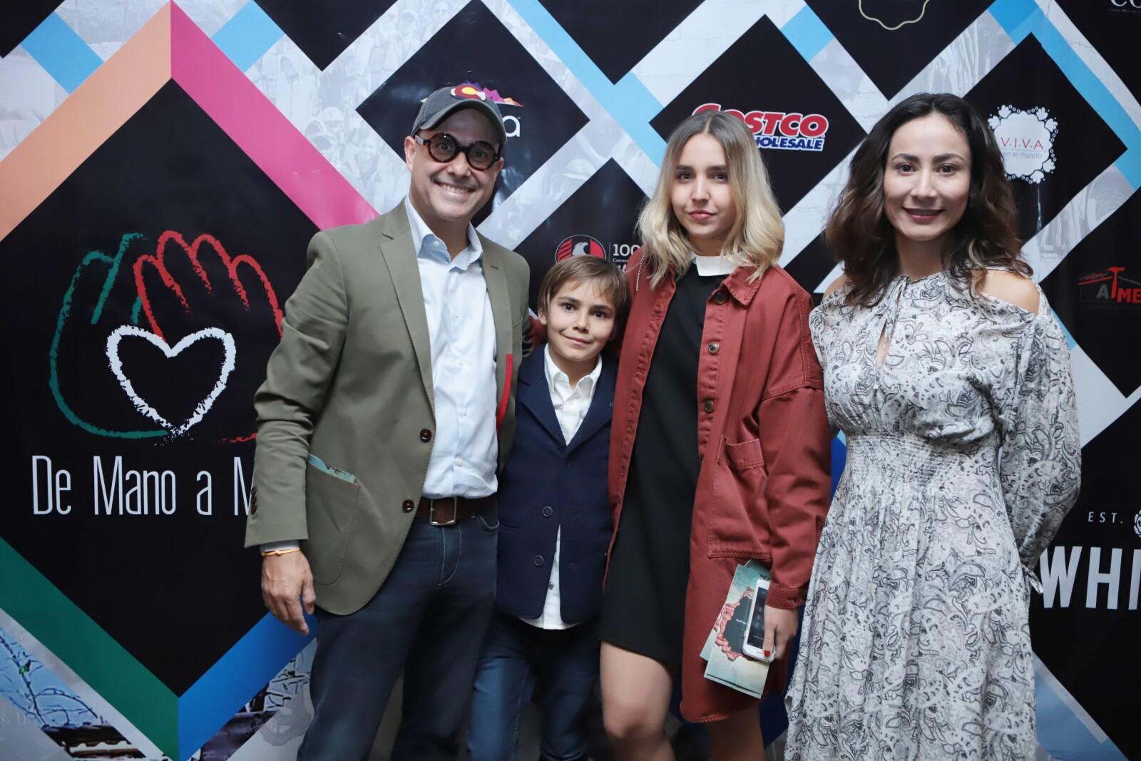 Paola Forero, Juan Bernardo García e hijos.JPG
