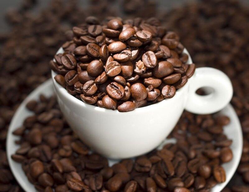 Si te sientes muy cansado, trata de evitar la cafeína pues te hará sentir bien por poco tiempo y después regresarás a estar fatigado.