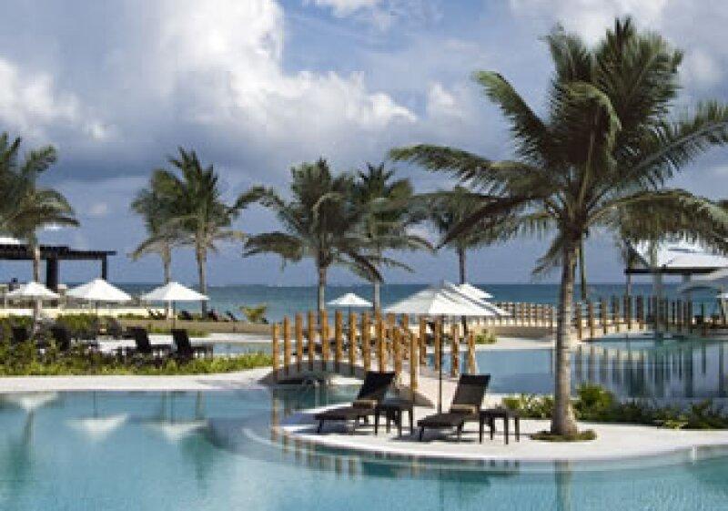 El resort está convenientemente ubicado a 20 kilómetros del aeropuerto de Cancún. (Foto: Cortesía NH Riviera Cancún)