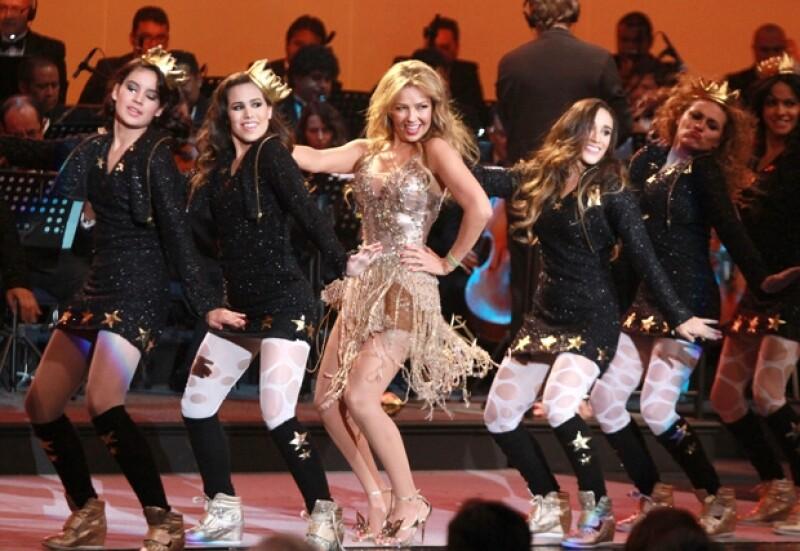 La cantante cambió varias veces de vestuario y cantó los temás más emblemáticos de los melodramas que protagonizó.