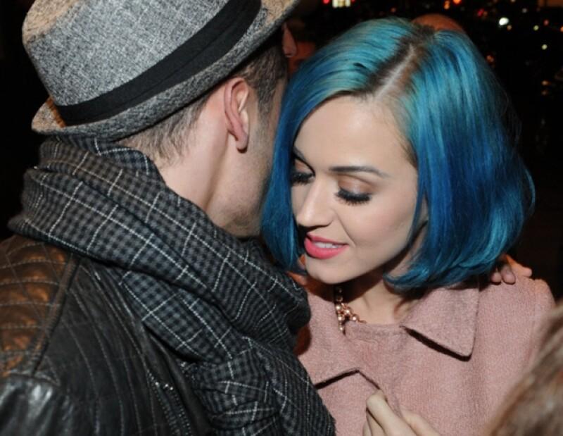 Al parecer sí hay algo más que una amistad entre la cantante y el modelo.