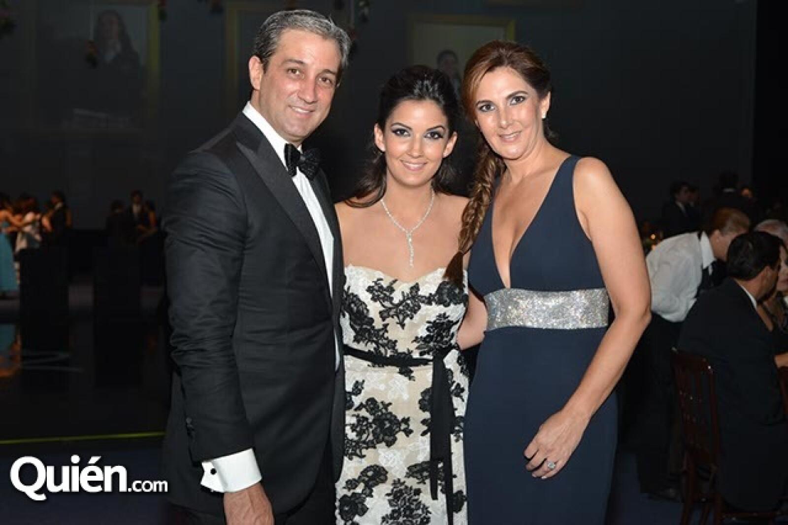 Vicente,Pamela y Bárbara López.
