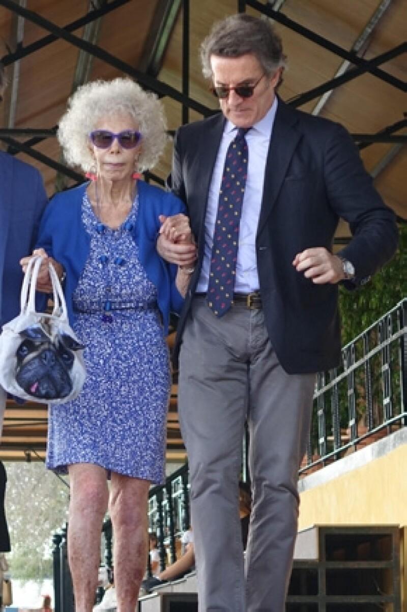 La mujer con más títulos nobiliarios en el mundo ingresó este fin de semana por mal respiratorio y gastroenteritis.