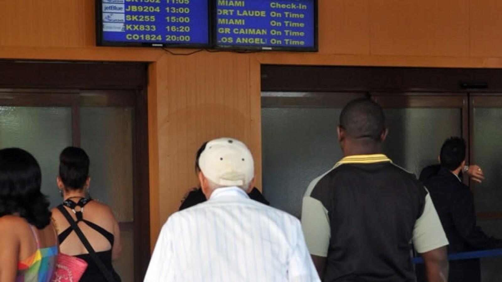 Cubanos de EU regresan a la isla