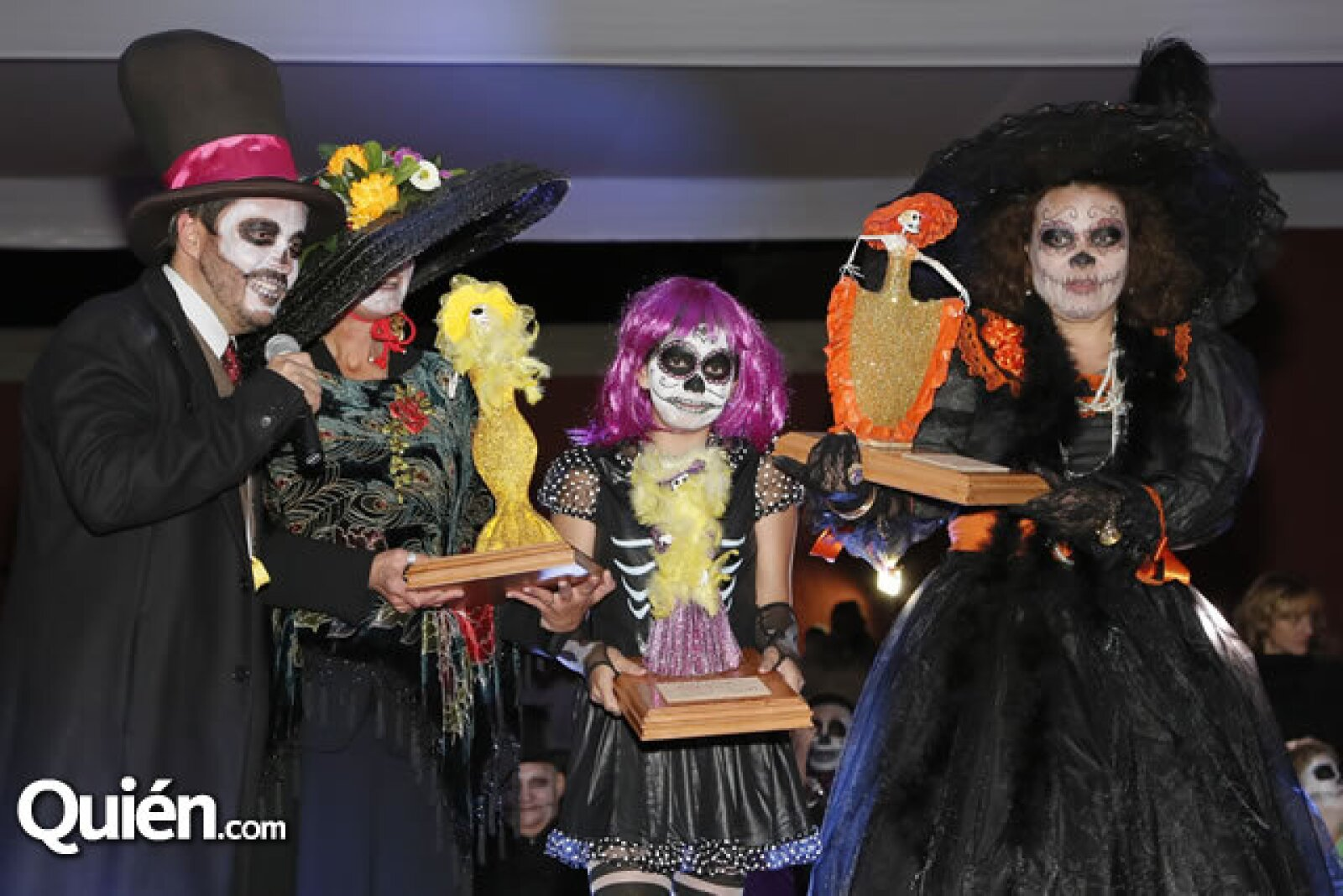 Carlos Fernández,Susan Scott,Martina González,Nuria Valencia