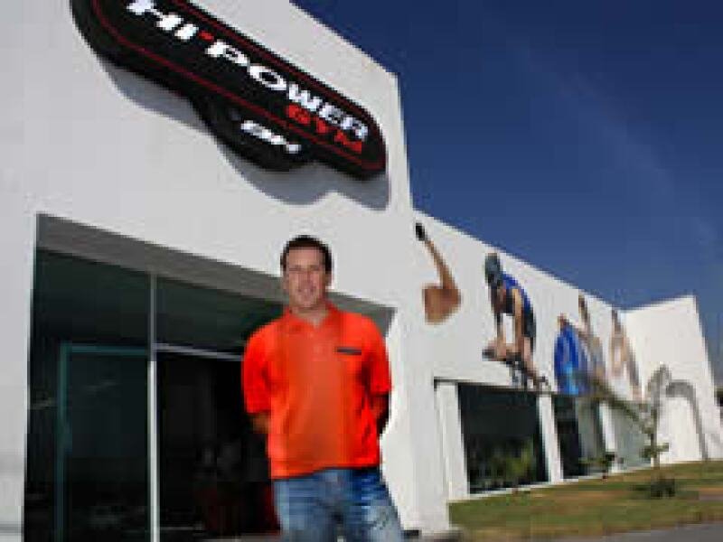 Francisco Arteaga quiere llegar a Centro y Sudamérica  al cabo de 5 años. (Foto: Cortesía Hi-Power Gym)