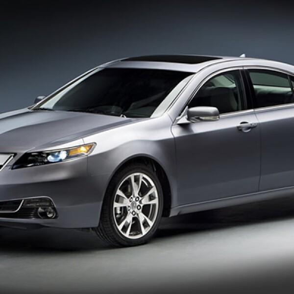 La marca de lujo de Honda exhibió su modelo Acura TL, que posee un motor de V-6 3.5 litros, con potencia máxima de 280 caballos de fuerza.  Disponible en el último trimestre de este año, tendrá un precio cercano a 35,000 dólares.