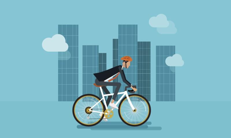 Transbordo. Si vives lejos de tu trabajo tal vez puedes utilizar la bicicleta para conectar con el transporte público.