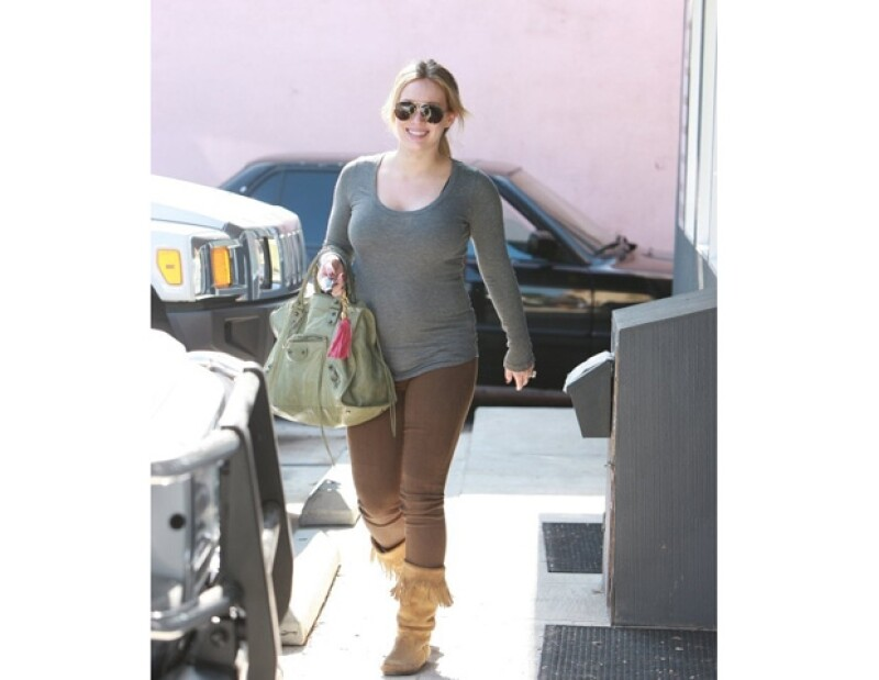 La actriz y cantante estadounidense se encuentra felizmente embarazada, luego de que se comentara que aún no aceptaba las proporciones de su nueva figura.