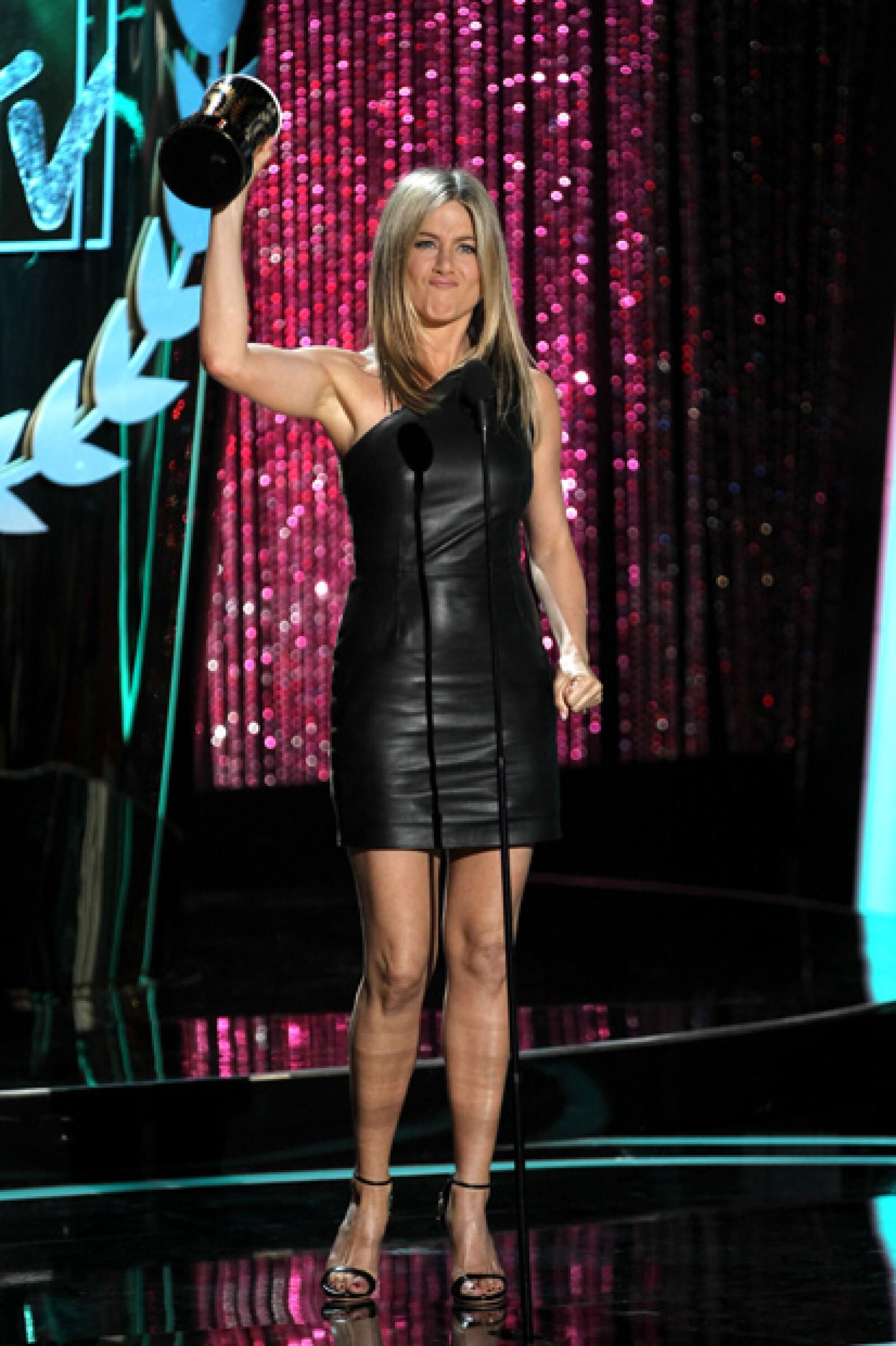 `Me gustaría agradecer al programa de televisión `Friends´ por permitirme sacar mi dulzura interior y a Seth Gordon (director de Horrible Bosses) por dejarme ser detestable´, dijo Aniston.